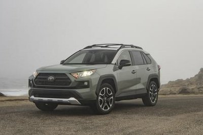 Off-Road Crossover Shootout - 2019 Toyota RAV4 Adventure Vs. 2019 Jeep Cherokee Vs. 2019 Subaru Forester