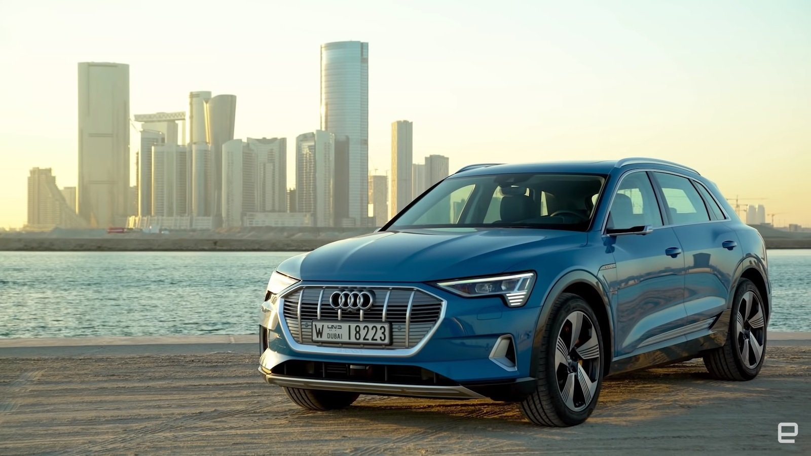 Reviewers Try Out The New All-Electric 2019 Audi E-Tron