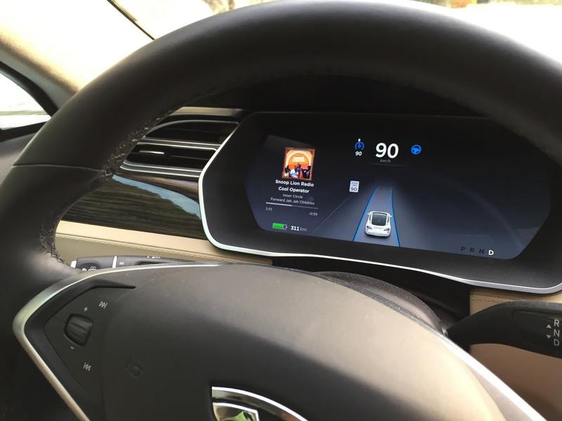 Tesla Model S Drove On Autopilot and Saved The Drunk Driver's Life - image 808554