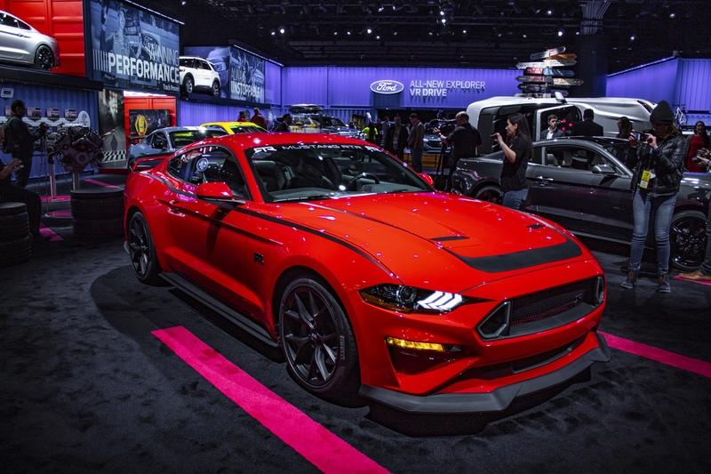 2018 Ford Mustang RTR - image 818876