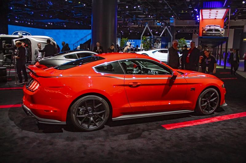 2018 Ford Mustang RTR - image 818879