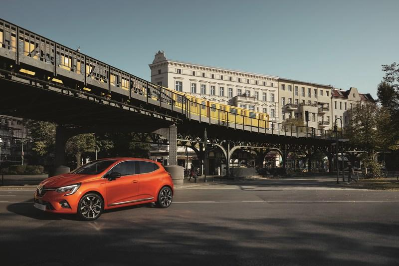 Wallpaper of the Day: 2019 Renault Clio