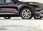 2020 Ford Explorer vs 2019 Chevy Traverse - image 813344