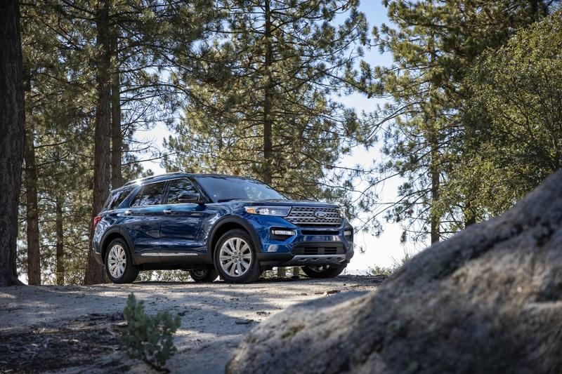 2020 Ford Explorer - image 813352