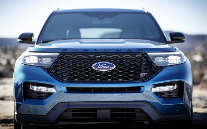 2020 Ford Explorer ST has 400 HP, wants to be taken seriously as a performance SUV