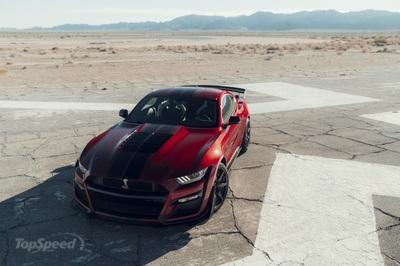 The $18,500 Carbon Fiber Track Pack Makes the Mustang Shelby GT500 Slower