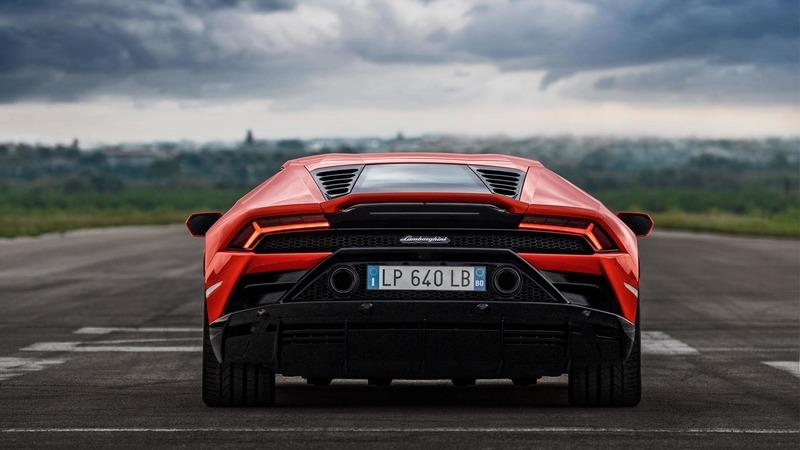 Lamborghini Throws Down its Highest Trump Card with the 2019 Huracan EVO Exterior - image 812718