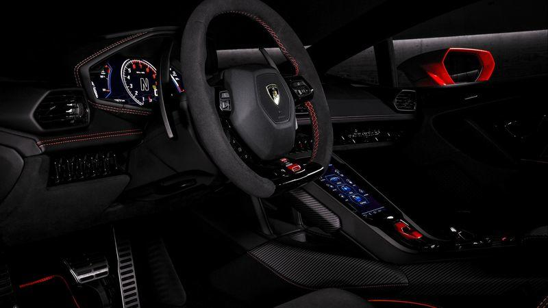 Lamborghini Throws Down its Highest Trump Card with the 2019 Huracan EVO Interior - image 812714