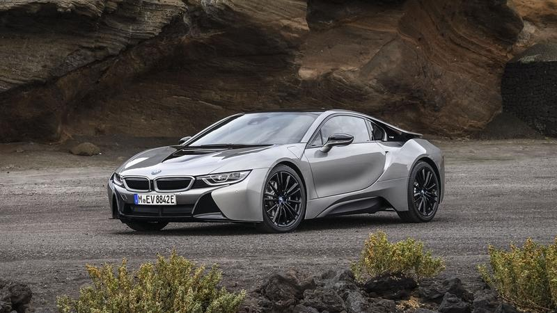 BMW is Plotting an i8-Based Hybrid Supercar to Take on the McLaren 570S