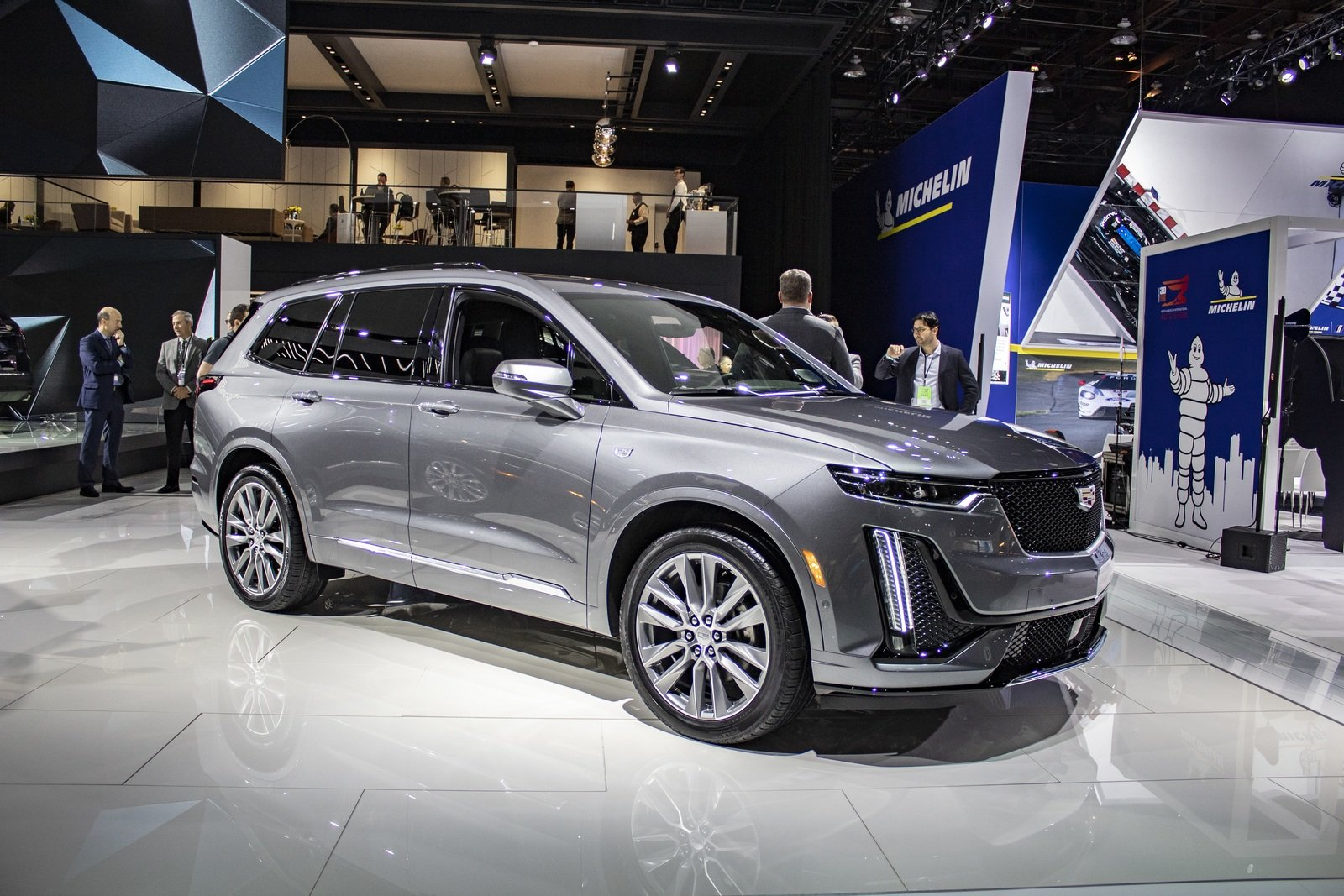 Must-Know Cool Facts About The Cadillac XT6 Pictures ...