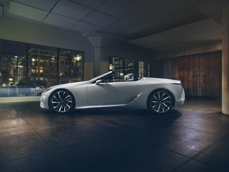 The 2019 Lexus LC Convertible Doesn't Have a Rood and We're Not Even Made - image 813911