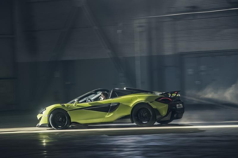 The 2019 McLaren 600LT Spyder Lowers Her Top and is Still Lighter than the Competition