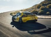 The 2019 Porsche 718 Cayman GT4 Clubsport is Here and the German Competition Should be Scared - image 812239