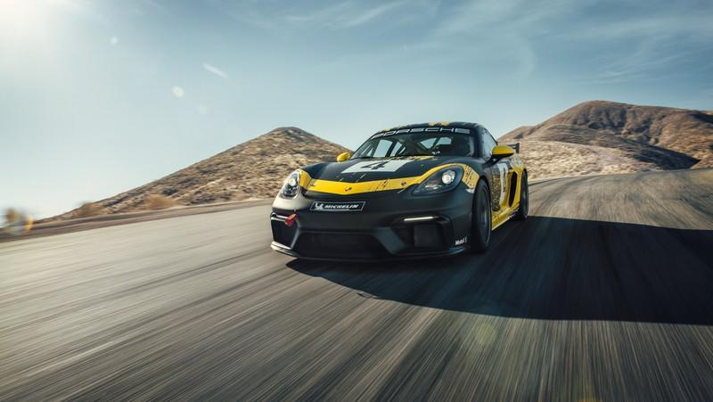 The 2019 Porsche 718 Cayman GT4 Clubsport is Here and the German Competition Should be Scared