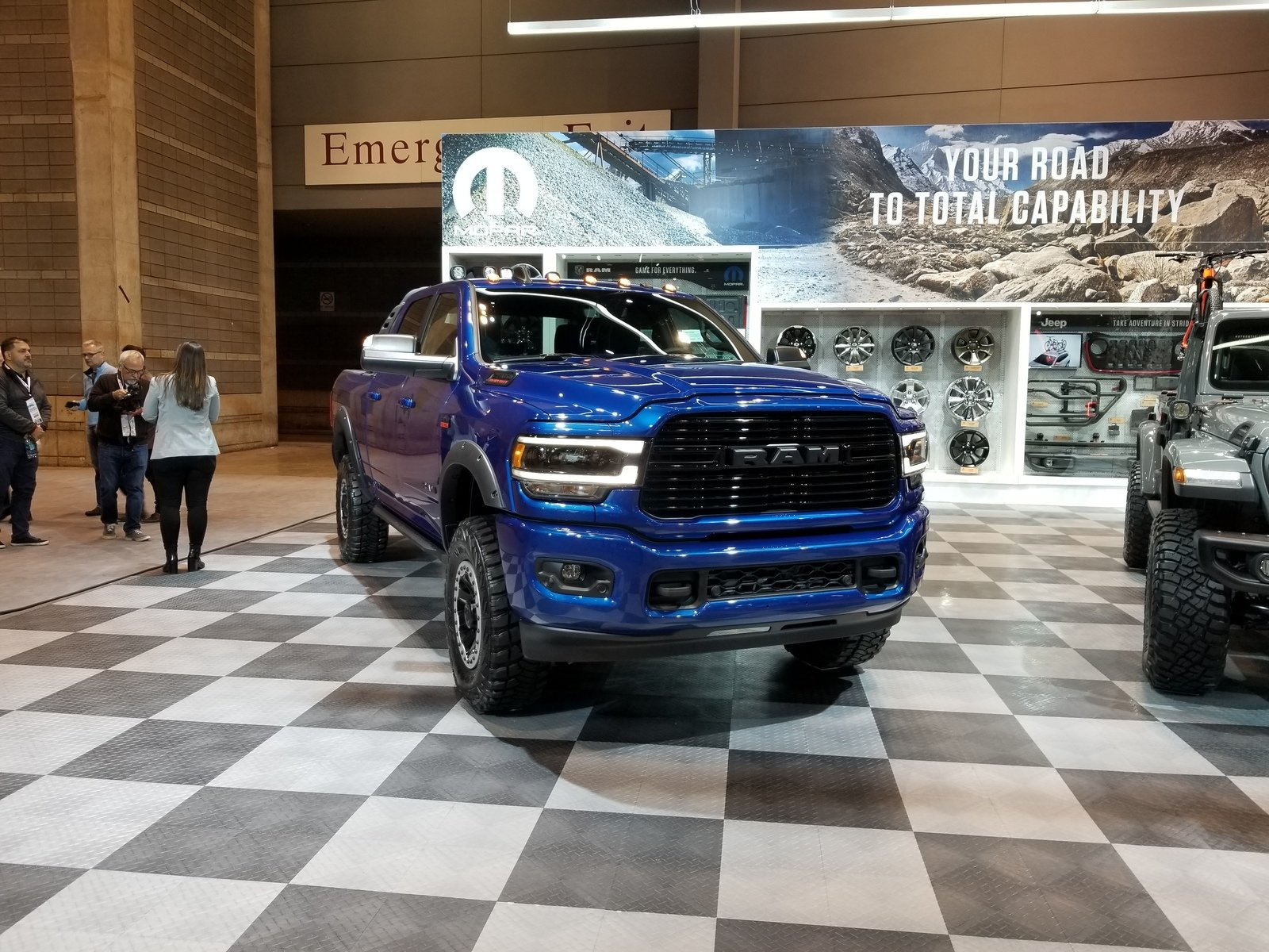 The Mopar-modified 2019 Ram 2500 Heavy Duty Has Everything ...