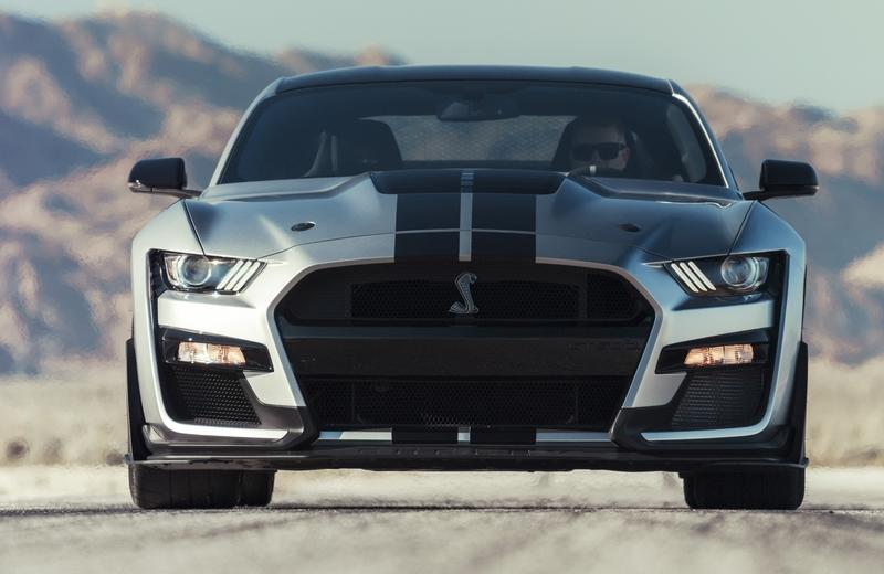 2020 Ford Mustang Shelby Gt500 Vs 2019 Dodge Challenger Srt