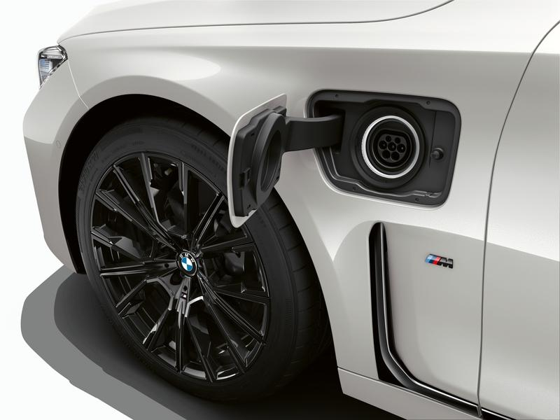 BMW to Go All PHEV at the 2019 Geneva Motor Show