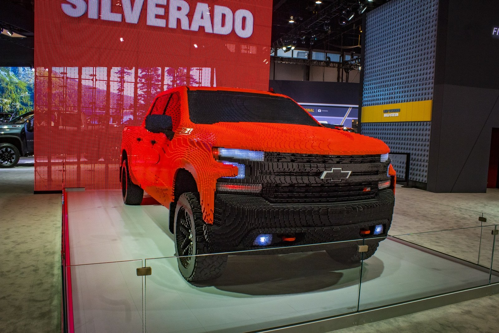 2019 Chevrolet Silverado 1500 LT Trail Boss LEGO | Top Speed