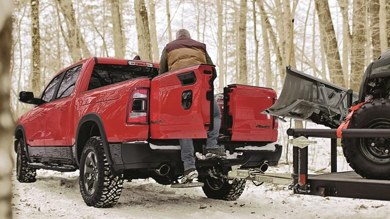 The 2019 RAM 1500 Fires Back at GMC's Multipro Tailgate With Something Simple And Useful