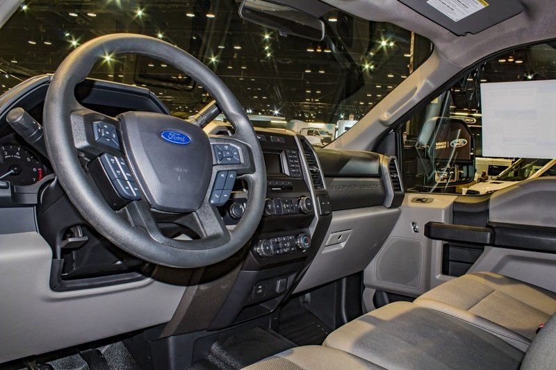 2020 Ford F-250 Super Duty STX - image 823498