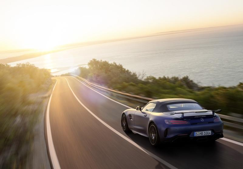 The Mercedes-AMG GT R Roadster is the Ultimate but Limited Open-Air AMG Sports Car Exterior - image 826895