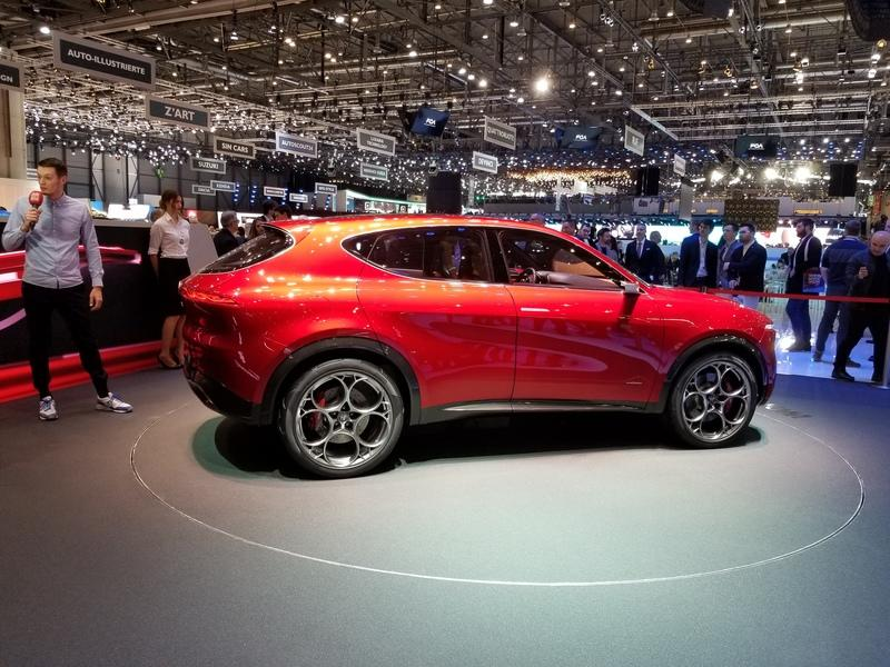 Alfa Romeo Tonale concept previews Jeep Renegade-based SUV with hybrid power