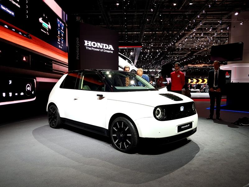 Awesome Honda e Prototype Is The Cutest Thing At The 2019 Geneva Motor Show