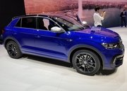 The New Volkswagen T-Roc R Is More Than Just a Sporty Variant Of The T-Roc - image 827875