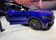 The New Volkswagen T-Roc R Is More Than Just a Sporty Variant Of The T-Roc - image 827872
