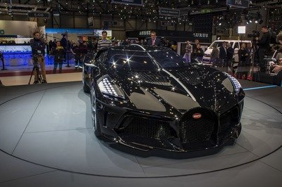 Bugatti Just Put The La Voiture Noire On Christmas Display In Molsheim