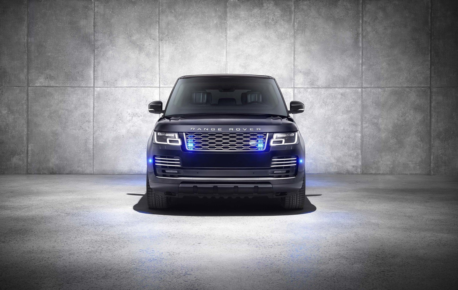 2020 Land Rover Range Rover Sentinel Pictures Photos