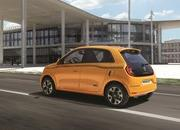 2019 Renault Twingo shows up with new face and engine in Geneva - image 827305