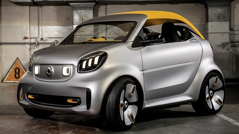 Smart ForEase+ Hits Geneva with Fixed Soft-Top
