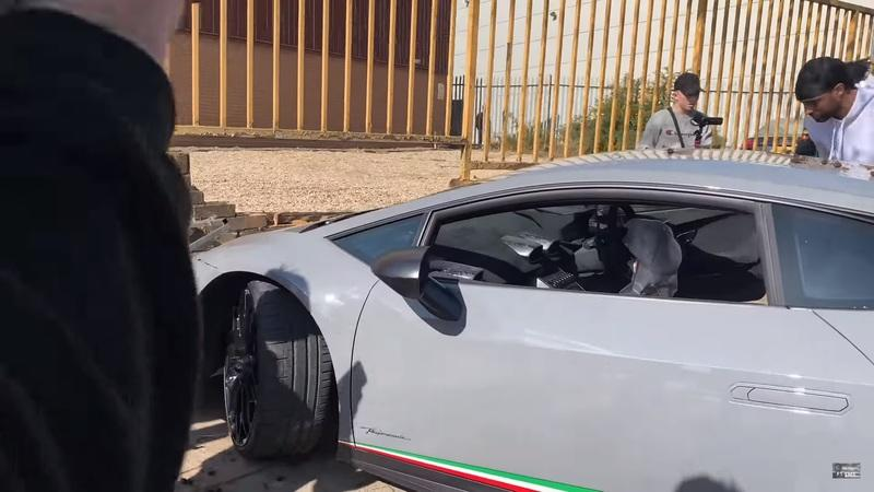 Someone Just Wrapped a Lamborghini Huracan Performante Around a Tree