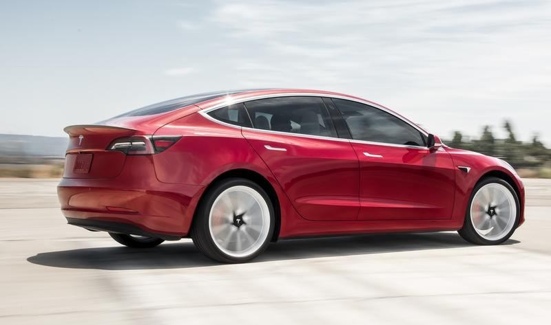 Visual Comparison: 2020 Tesla Model Y vs. 2019 Tesla Model 3