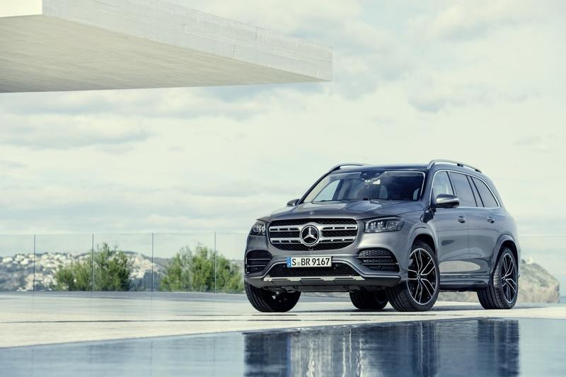 The 2020 Mercedes GLS Arrives With a Twin-Turbo V-8 and Seating for Seven