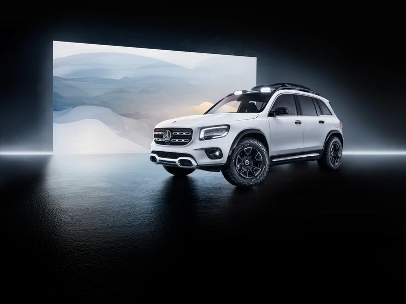 The 2019 Mercedes GLB Concept a New Boxy, Compact SUV - image 835190