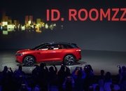 The Volkswagen I.D. Roomzz Concept Debuts with a Sleek Interior, Lots of Range - image 835093