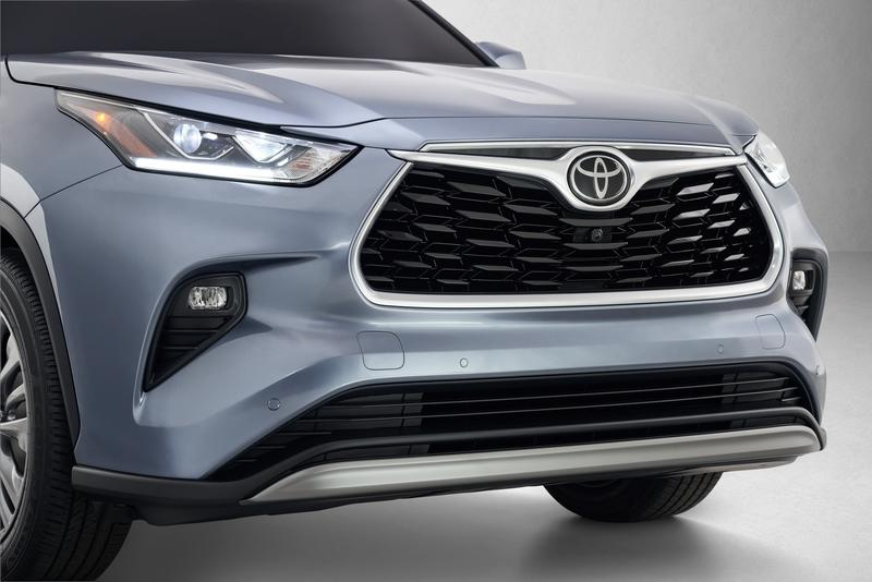 The 2020 Toyota Highlander Debuts With an All-New Look and Better Efficiency