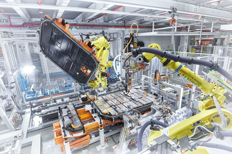 The 2020 Audi E-Tron Comes From a CO2 Neutral Production Plant in Brussels - image 834321