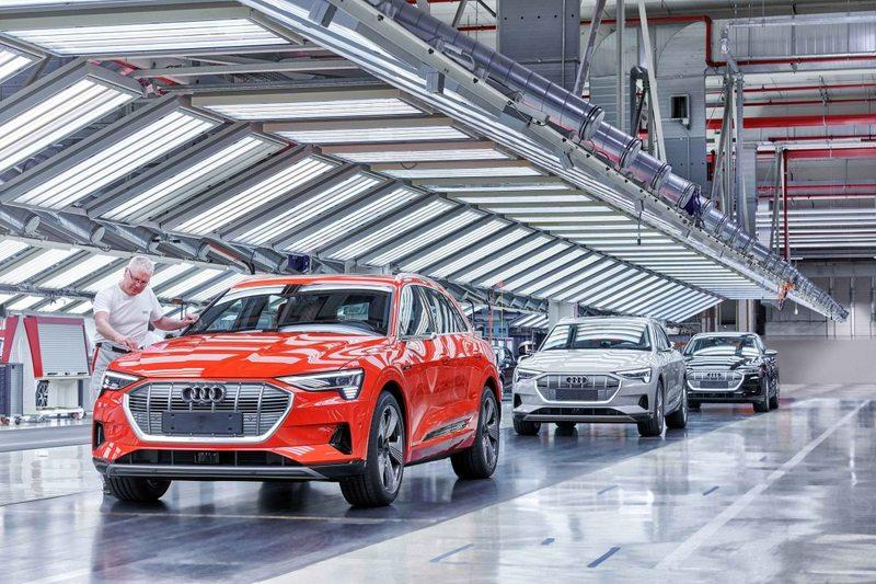 The 2020 Audi E-Tron Comes From a CO2 Neutral Production Plant in Brussels