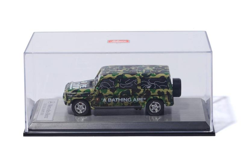 Your Desk Needs This Mercedes-Benz G-Class Scale Model