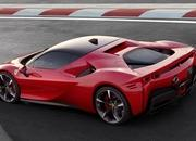 Ferrari Hybrid Showdown: SF90 Stradale vs LaFerrari - image 842404