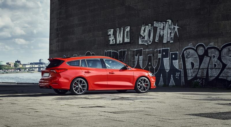 Once You Realize What the 2019 Ford Focus ST Wagon Offers, You'll Be Sad That It Won't Be Sold in the U.S.
