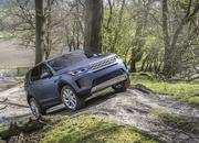 Land Rover finally updates the old Discovery Sport, add new tech and sporty features - image 840302
