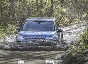Land Rover finally updates the old Discovery Sport, add new tech and sporty features - image 840307