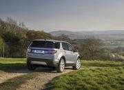 Land Rover finally updates the old Discovery Sport, add new tech and sporty features - image 840309