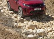 Land Rover finally updates the old Discovery Sport, add new tech and sporty features - image 840316