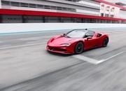 Ferrari Hybrid Showdown: SF90 Stradale vs LaFerrari - image 842236