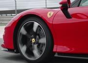 Ferrari Hybrid Showdown: SF90 Stradale vs LaFerrari - image 842237